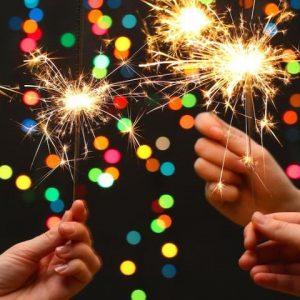 Новогодние хлопушки, бенгальские огни