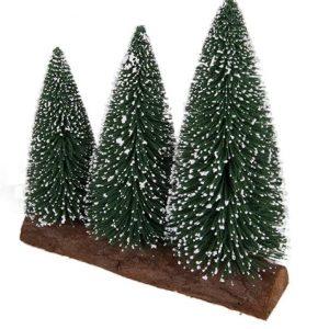 три елки на бревнышке