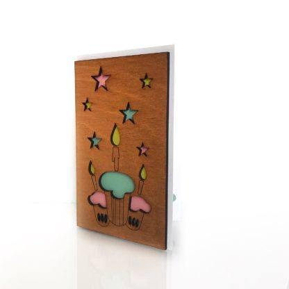 Деревянная открытка Три кекса