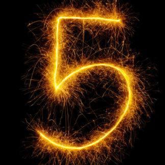 Бенгальская свеча в форме цифры 5