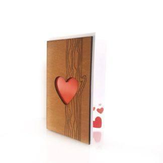 Деревянная открытка Сердце в дереве