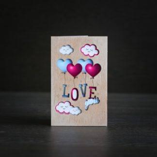 """Деревянная открытка """"LOVE"""" (шарики)"""
